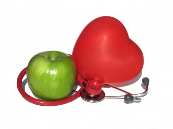 heart and apple with a stethoscope